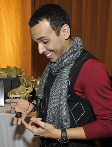 Orlando Leon with a Maleku Jewelry necklace at the Latin Grammy Awards